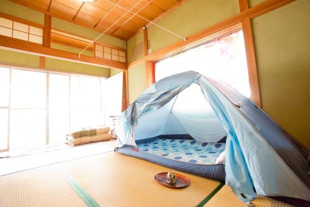 「生活と時間」2Fにある和室とテント。めっちゃ不思議に気持ち良さそう!