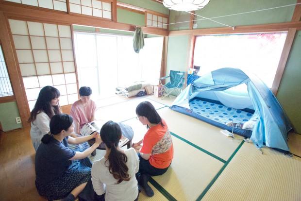 「生活と時間」2Fの和室とテントを別アングルで